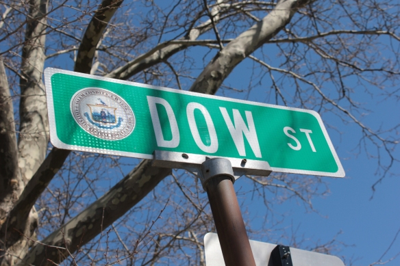 06_Dow Street sign